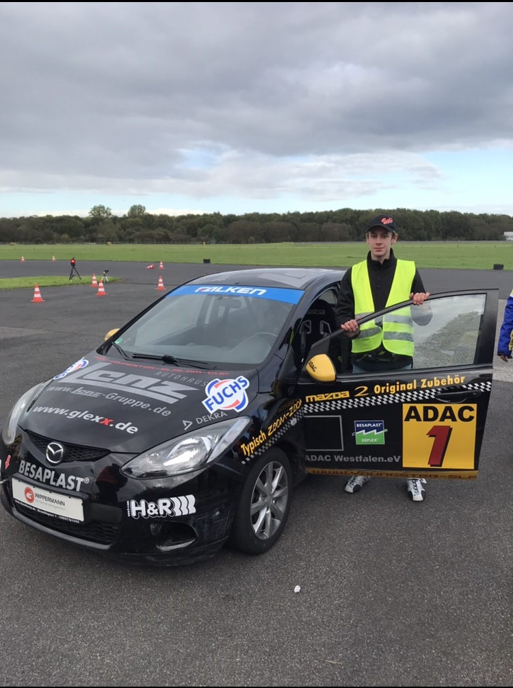 """Phillip erreicht die """"Deutsche Meisterschaft"""" im ADAC Automobil Youngstercup!!"""